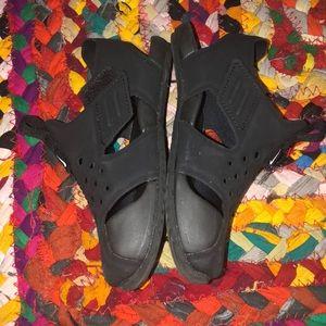 Nike Shoes - Nike Toddler Boys Sz 9 black